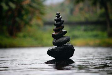 Construcción de piedras en equilibrio